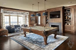 Bar Room: classic Media room by Kellie Burke Interiors