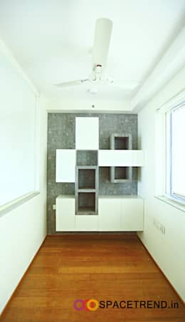 Home Office: minimalistic Study/office by Space Trend