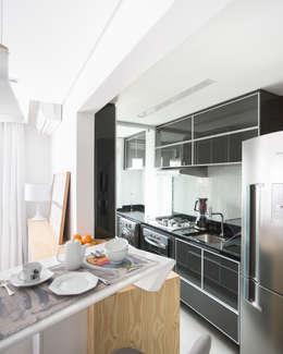 Cocinas de estilo ecléctico por ARQ.STHÊ.DEZ