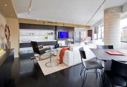 Salas de estar modernas por FORMA Design Inc.