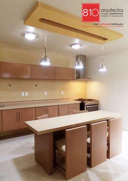 Casa Habitación. Ignacio, Alma Gutiérrez: Cocinas de estilo moderno por 810 Arquitectos