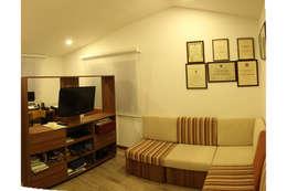 Oficinas de estilo minimalista por Ensamble de Arquitectura Integral