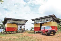 : Casas prefabricadas de estilo  por Ensamble de Arquitectura Integral