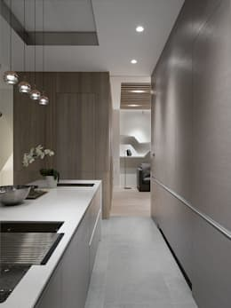 House D 鄧宅:  廚房 by 構築設計