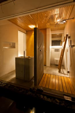 M11 House:  Phòng tắm by a21studĩo