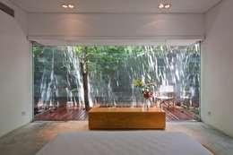 M11 House:  Phòng ngủ by a21studĩo