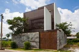 M11 House:  Nhà by a21studĩo