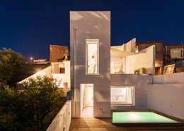 Casas de estilo moderno por dacruzphoto