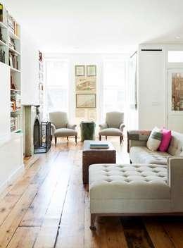 Best Living Space - Professional Lorraine Bonaventura Remodelista Design Awards Finalist 2017  Please vote for us daily until Aug 4 on Remodelista.com: modern Living room by Lorraine Bonaventura Architect