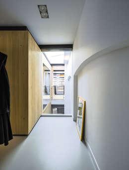 Kamar Tidur by EVA architecten