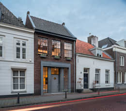 Rumah by EVA architecten