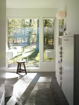 Paradise Lane, Litchfield County, CT: modern Bathroom by BILLINKOFF ARCHITECTURE PLLC