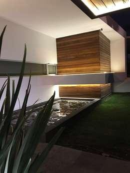 Casa Jerónimo: Casas prefabricadas de estilo  por AParquitectos