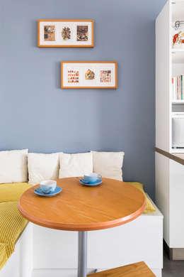 Cucina in stile in stile Moderno di Agence Delphine Coipel