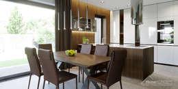 Projekt domu HomeKONCEPT 51: styl , w kategorii Jadalnia zaprojektowany przez HomeKONCEPT | Projekty Domów Nowoczesnych