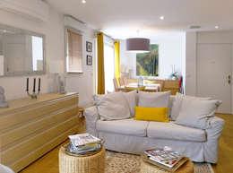 Salas de estar modernas por Agence Delphine Coipel