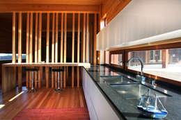 Встроенные кухни в . Автор – Rusticasa
