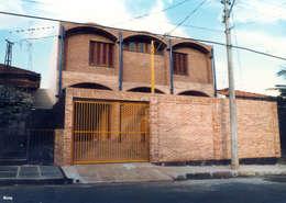 Rumah tinggal  by JMN arquitetura