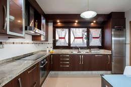 Cocinas de estilo rústico por CCVO Design and Staging