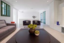 Phòng khách by Chantal Forzatti architetto