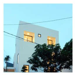 Pserpektif Malam Ahouse:  Rumah by studiopapa