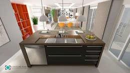 Cozinha: Armários e bancadas de cozinha  por Karoline Martins - Arquitetura & Interiores