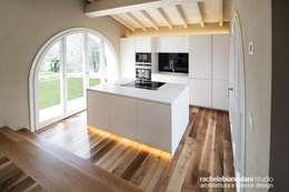 Projekty,  Kuchnia zaprojektowane przez Rachele Biancalani Studio - Architecture & Design