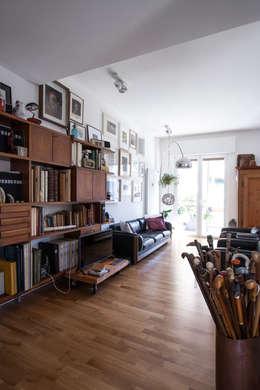 Livings de estilo ecléctico por Chantal Forzatti architetto