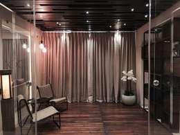 Iscon Platinum Show Apartment :  Zen garden by Studio R designs