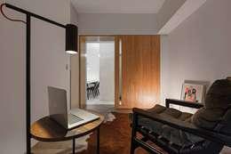 樸.淨:  書房/辦公室 by 築川室內裝修設計有限公司
