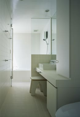 新小岩の家: Studio Noaが手掛けた浴室です。