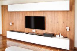 Entertainment Unit :  غرفة الملتيميديا تنفيذ Mazura