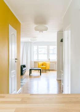 zeitlose wohnung mit farbigen highlights. Black Bedroom Furniture Sets. Home Design Ideas