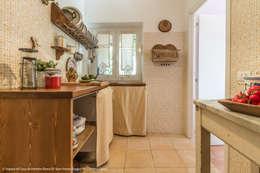 eclectic Kitchen by Sapere di Casa - Architetto Elena Di Sero Home Stager
