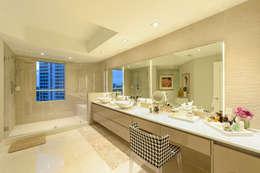E-06: Baños de estilo  por NIVEL TRES ARQUITECTURA
