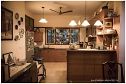 Saravan - The Singh's residence: eclectic Kitchen by Sandarbh Design Studio
