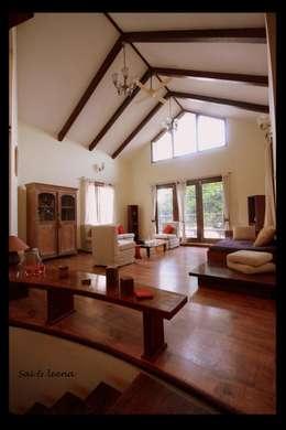 Sharada: eclectic Living room by Sandarbh Design Studio