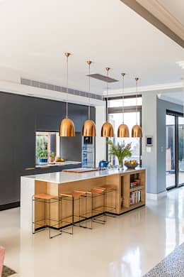 ALTERATION FRESNAYE, CAPE TOWN: modern Kitchen by Grobler Architects