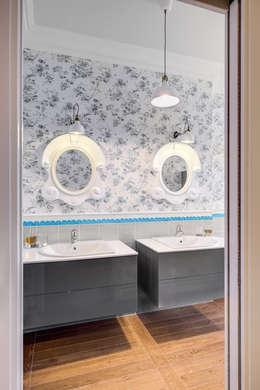 Casas de banho clássicas por Studio Guerra Sas
