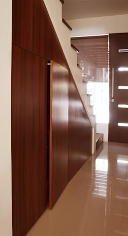 Graha Natura AB show unit: modern Corridor, hallway & stairs by KOMA living interior design
