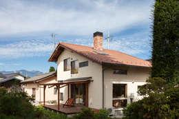 外観: 安藤建築設計工房が手掛けた木造住宅です。