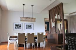 Contemporary partition :  Dining room by Kottagaris interior design consultant