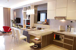 Pantry and dining  area :  Ruang Makan by Kottagaris interior design consultant