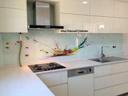 ALTAŞ DEKORATİF ÇÖZÜMLER – TRIADOOR MUTFAK TEZGAH ARASI 3D PANELER: modern tarz Mutfak
