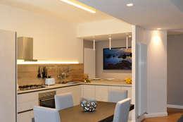 Comedores de estilo moderno por danielainzerillo architetto&relooker