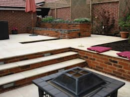 View from firepit to dining area: modern Garden by Jane Harries Garden Designs