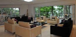 Projekty,  Salon zaprojektowane przez Daniel Kalil Arquitetura