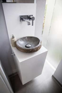 Waschtisch: moderne Badezimmer von Holzmanufaktur Ballert e.K.