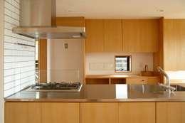 長崎 大村 /  焼杉の家: HAGが手掛けたキッチンです。