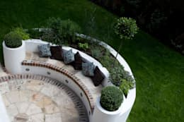 Herb Bed: mediterranean Garden by Earth Designs
